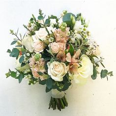 Fiona's pretty blush and ivory bouquet #bridalbouquet #weddingdetails #weddingflowers #irishwedding #springwedding #bloomsdayflowers