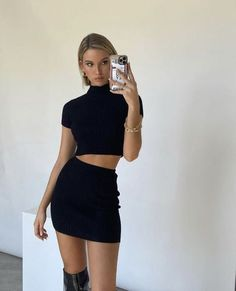 Komplette Outfits, Trendy Outfits, Summer Outfits, Fashion Outfits, Club Outfits, Skirt Outfits, Look Fashion, 90s Fashion, Fashion Beauty