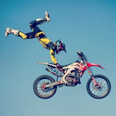 liammjwise: The #motocross guys at the Great Dorset Steam Fair were mental!