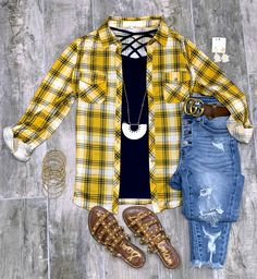 #streetstyle #cozy #casualstyle #ootdfashion #style #ootd #summerfashion #flannel #blogger #travel #vacationstyle #fashionlover #fashionblogger #summerstyle #boutiquefashion #womensfashionoutfit #summeroutfit #dress #layeringdress #casualstyle #casualfashion #joggers #comfyoutfit #kimono #swimwear #homefashion #summervibes #womensfashion #onlineshopping #onlineboutique Ootd Fashion, Fashion Boutique, Fashion Outfits, Womens Fashion, Plaid Flannel, Chelsea Marie, Navy Tops, Affordable Fashion, Online Boutiques