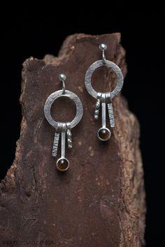 Zilveren oorstekers met tijgeroog | Silver earrings with tigereye Silver Earrings, Drop Earrings, Handmade Jewellery, Contemporary Jewellery, Jewelry, Handmade Jewelry, Jewlery, Jewerly, Schmuck
