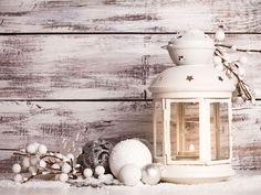 Una lanterna bianca in stile shabby chic