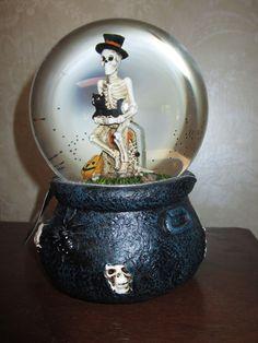 nwt led lighted large skeleton on grave wblack cat snowwater globe