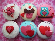 i love cupcakes: Colourful Valentine's Day Cupcakes