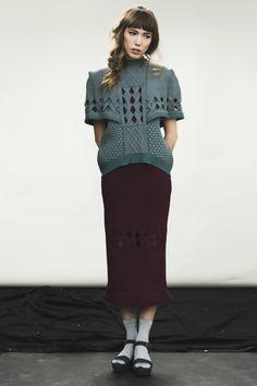 Freya Proudlock graduate collection 2013, fashion knitwear. Partial knit cables.  www.freyaproudlock.com