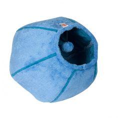 Myk og deilig kattehule. Her kan katten gjemme seg, slappe av eller leke. Hulen har en innebygget plysj ball.
