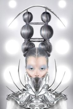 Crazy hair! #futuristic #hair - Top Pinterest pic selected by RetoxMagazine.com