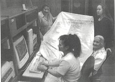 Organize your information. Many Tongan families keep a genealogical relationship chart (hohoko) where they write the names of their ancestors, descendants, and other relatives. Salote Wolfgramm wrote hers on sail cloth, while Kakolosi Tui`one recorded his on computer, using an architectural program.