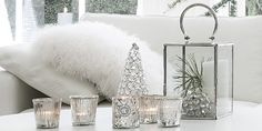 fur and crystals - sparkle for the bedroom - Silver & White Christmas decor - Ide.dk
