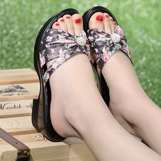 (26.55$)  Know more - http://aivik.worlditems.win/all/product.php?id=32796010612 - 2017 new leisure genuine leather high-heeled rhinestone slippers female summer mom waterproof rhinestone sandals female slippers