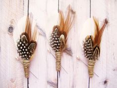 Rustic wedding feather boutonniere, Men's lapel pin, Woodland groom, Groomsmen buttonhole - BROWNING
