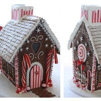 Gingerbread house from  http://www.laylapegadocakes.co.uk/ on Cake Central