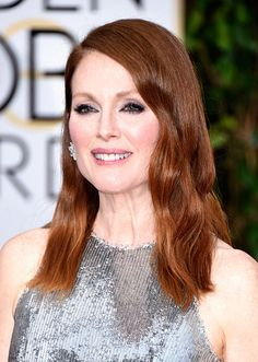 Julianne Moore's Bedhead Waves and Mauve Lips // Golden Globes 2015