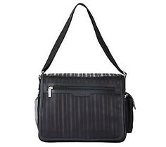 Can you believe this messenger bag is a lunch bag? Great for the guys on the go! #GiftIdeas