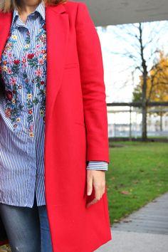 Abrigo rojo. como combinar tu abrigo rojo Chaquetas Rojas 39ddd342fb5