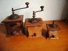 Tart Molds, Oldies But Goodies, White Curtains, Le Moulin, Decoration, French Vintage, Drawer, Conditioner, Woodworking