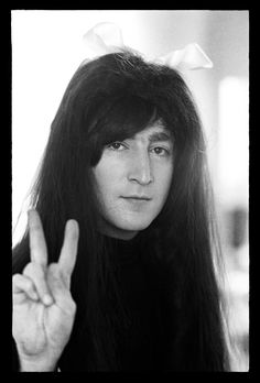 The Beatles, John Lennon Foto Beatles, Les Beatles, Beatles Photos, John Lennon Beatles, Beatles Bible, Beatles Funny, Beatles Band, Imagine John Lennon, John Lennon And Yoko