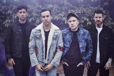 "Vegan fast food burger chain, VeganBurg, has revealed it is the ""official food provider"" for rock band Fall Out Boy's upcoming world tour, which celebrates their recent album Mania. Emo Bands, Music Bands, Happy Birthday Patrick, Soul Punk, Patrick Stump, Band Pictures, Pete Wentz, Band Memes, Celebrity Travel"