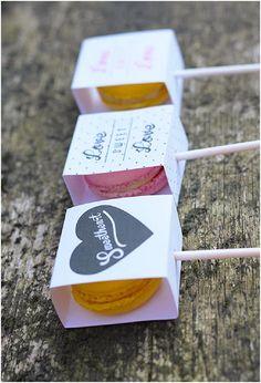 {Lembrancinha} Macarons - Fica, vai ter bolo! Wedding PlannerFica, vai ter bolo! Wedding Planner
