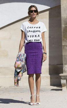 Printed tshirt, slightly elegant pencil skirt