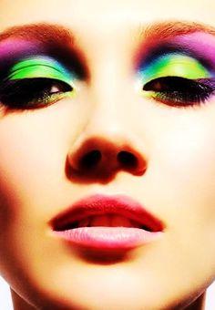 Flesh Green Eye Make-up #green #eye #makeup