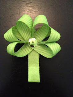 St. Patrick's Day Bow - $3 (includes shipping)