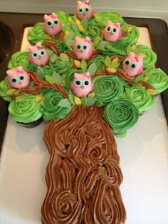 Cupcake tree decorated with owls