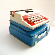 Sear's Holiday 2 Child's Typewriter England Red White & Blue