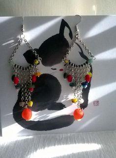 Boucles chaîne et très belles perles artisanales en pâte de verres de différentes formes et couleurs : Boucles d'oreille par caprices-et-compagnie Creations, Etsy, Fashion, Handmade Gifts, Beads, Unique Jewelry, Boucle D'oreille, Locs, Moda