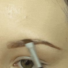 17 Genius Tricks For Getting The Best Damn Eyebrows Of Your Life ausformung bemalung maquillaje makeup shaping maquillage Eyebrow Growth Serum, Eye Serum, Vaseline Beauty Tips, Beauty Hacks Nails, Beauty Tips For Face, Beauty Tricks, Beauty Secrets, Diy Beauty, Beauty Makeup