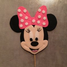 Minnie Mouse cake topper by www.amberslittlecupcakery.com