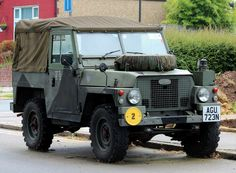 "https://flic.kr/p/U37mZ9 | AGU 723N | 1975 Land Rover 88"" Series 3 lightweight soft-top. Ex-military and registered for civilian use in October 1983."