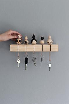 Un porte clé en bois DIY Diy Para A Casa, Diy Casa, Cool Diy Projects, Wood Projects, Woodworking Projects, Project Ideas, Handmade Home Decor, Diy Home Decor, Handcrafted Gifts