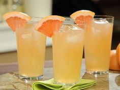 Paloma Recipe : Geoffrey Zakarian : Food Network Tequila Grapefruit Orange and Lime Juice - nice for a brunch Non Alcoholic Drinks, Fun Drinks, Yummy Drinks, Holiday Drinks, Summer Cocktails, Cocktail Drinks, Famous Cocktails, Cocktail Recipes, Fresco
