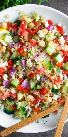 10 Post-Workout Snack Recipes Quinoa Dishes, Vegetarian Side Dishes, Vegetarian Recipes, Quinoa Side Dish, Salade Quinoa Feta, Greek Quinoa Salad, Healthy Salad Recipes, Snack Recipes, Quinoa Salad Recipes Cold