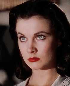 """glenn deserved better (vivien-leigh: """"I said something about the. Golden Age Of Hollywood, Hollywood Glamour, Hollywood Stars, Classic Hollywood, Old Hollywood, Scarlett O'hara, Vivien Leigh, Pin Up Retro, Viejo Hollywood"""