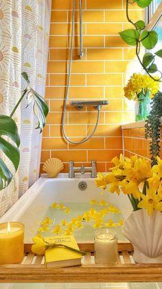 Yellow Bathrooms, Bathrooms With Plants, Barbie Dream House, Dream Decor, Bathroom Interior Design, Interior Design Yellow, Bathroom Inspiration, House Colors, My Dream Home