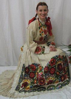 croatia, moslavina and posavina Folk Embroidery, Embroidery Fashion, Historical Costume, Historical Clothing, Traditional Fashion, Traditional Dresses, Costumes Around The World, Hippy Chic, Ethnic Dress