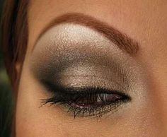 Brown smokey eye