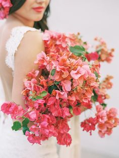 Bougainvillea bouquet - photo by Savan Photography http://ruffledblog.com/bougainvillea-inspired-wedding-ideas