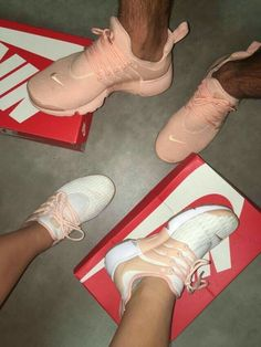 Discovered by Keisha. Find images and videos about pink, shoes and nike on We Heart It - the app to get lost in what you love. Sneakers Mode, Sneakers Fashion, Shoes Sneakers, Nike Shoes Outfits, Nike Fashion, Ootd Fashion, Fashion Women, Cute Shoes, Me Too Shoes
