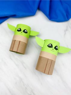 See how easy it is to make this toilet paper roll Baby Yoda craft. It's a fun recycled craft project idea that's great to make with preschool, kindergarten and elementary children. Easy Preschool Crafts, Recycled Crafts Kids, Toddler Crafts, Preschool Kindergarten, Preschool Projects, Paper Towel Roll Crafts, Towel Crafts, Toilet Paper Roll Crafts, Yarn Crafts