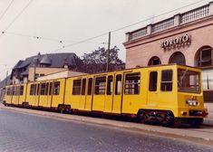 1972, Állatkerti (Gundel Károly) út az Állatkerti körútnál. Az akkor újFöldalatti kocsik egyike. A háttérben a Gundel BOROZÓJÁNAKneon reklámja. Budapest Travel, Commercial Vehicle, Hungary, Transportation, Past, Around The Worlds, Retro, Vehicles, Past Tense