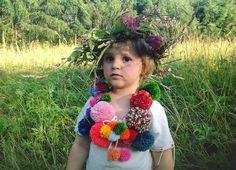 It's officially summer!!! #throwbacktuesday #midsummer #midsommar #kupala #nockupały #kupalnocka #sobótka #ligo #summertime #summer #fun #green #meadow #queenzoja #kid #portrait #colourful #colorful #pompom #pompony #dziecko #portret #lato #wianki #łąka #sława #slowlife #ecolife #slowliving #greenlife :)