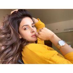 In the mood for love ❤️ Pakistani Models, Pakistani Actress, Best Beauty Tips, Beauty Hacks, Maya Ali, Popular Actresses, Mahira Khan, Most Beautiful Models, Hot Actors