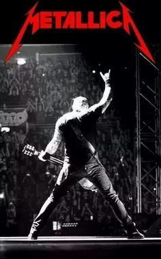 James Hetfield on stage.You can find James hetfield and more on our website.James Hetfield on stage. Black Album Metallica, Metallica Gif, Metallica Metallica, James Hetfield, Hard Rock, Metallica Wallpapers, Jimi Hendricks, Music Rock, Vinyls