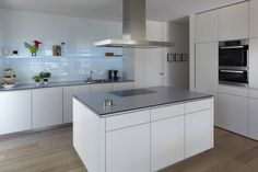 Mehrfamilienhaus_H: moderne Küche von Fachwerk4 | Architekten BDA