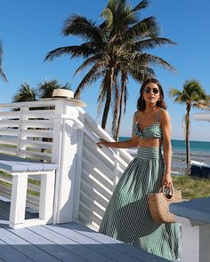 Look: tropical day pool day outfits, honeymoon outfits, beach party outfits Pool Day Outfits, Beach Party Outfits, Honeymoon Outfits, Summer Outfits, Outfit Beach, Beach Ootd, Summer Dresses, Hipster Grunge, Womens Fashion For Work