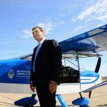 """Randazzo entregó en Neuquén el primer avión de entrenamiento de pilotos fabricado en el país y anunció que """"se reactivará el tren hasta Cipolletti"""""""