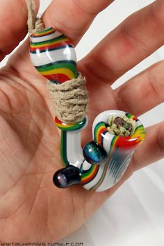 So many options. Weed Pipes, Pipes And Bongs, Pipe Smoking, Smoking Weed, Smoking Pieces, Weed Bong, Cool Pipes, Smoking Accessories, Glass Pipes